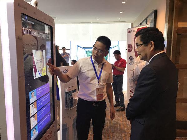 Trình diễn giải pháp công nghệ MobiFone ở Smart IoT VN 2018