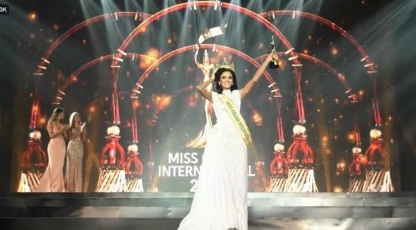 Người đẹp Paraguay ngất xỉu khi đăng quang Hoa hậu Hòa bình Quốc tế 2018