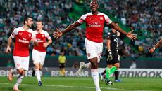 """Welbeck """"nổ súng"""", Arsenal thắng trận thứ 11 liên tiếp"""