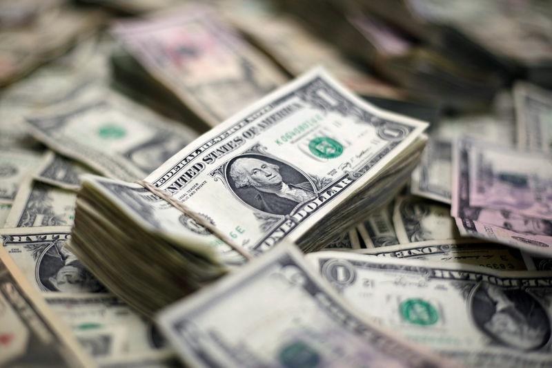 Tỷ giá ngoại tệ ngày 27/10: Lo sợ, USD, Bảng Anh đồng loạt giảm