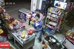 Khi lỡ đi trộm nhưng lại cướp nhầm nhà võ sư