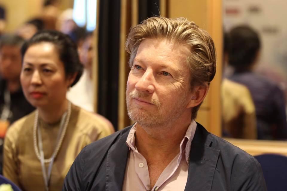 Nam diễn viên gợi cảm nhất thế giới đến Việt Nam dạy làm phim