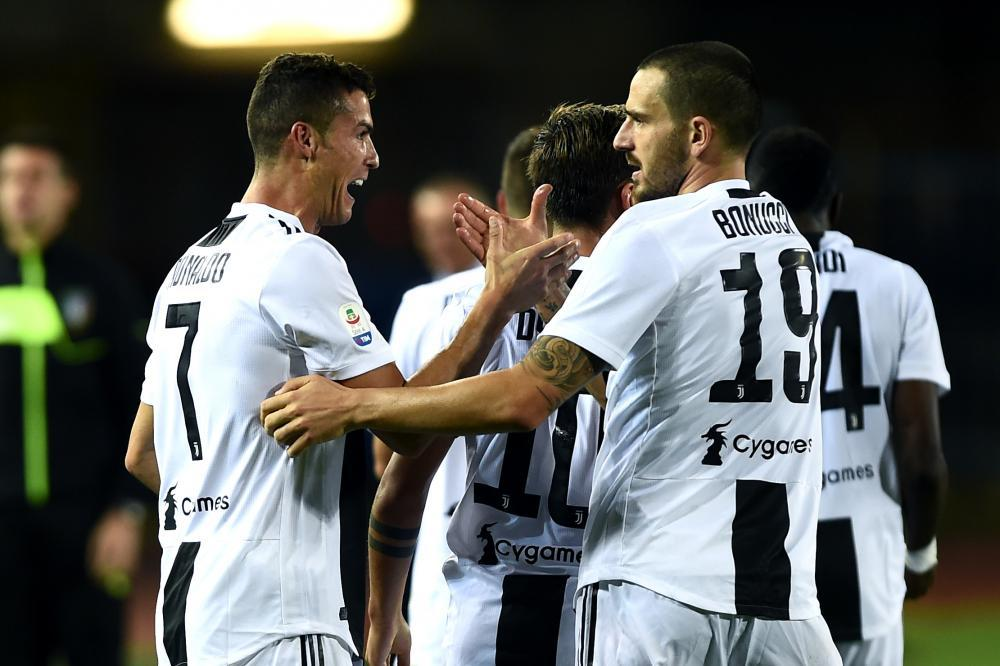 Ronaldo chói sáng, Juventus ngược dòng hạ Empoli