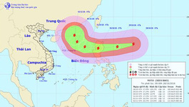 Siêu bão giật trên cấp 17 gần Biển Đông