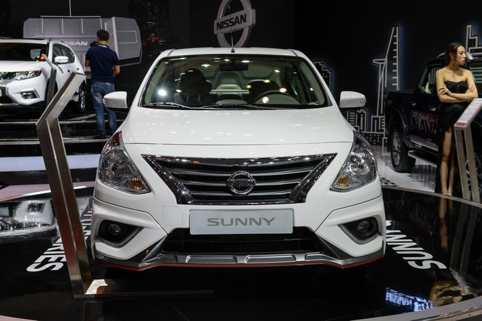 Nên chọn mua Nissan Sunny hay Toyota Vios?