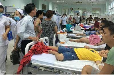 30 trẻ nhập viện sau khi ăn bánh mì lúc đi dự lễ ở nhà thờ