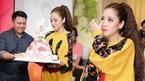 Puka bật khóc khi được bạn trai và fan mừng sinh nhật sớm