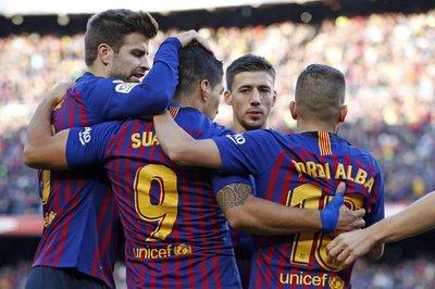 "Luis Suarez lập hat-trick, Barca hạ Real kiểu ""Bàn tay nhỏ"""