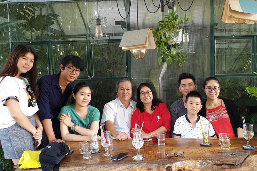 Sao Việt ngày 29/10: Tung ảnh gợi cảm, Bích Phương vấp phải ý kiến trái chiều