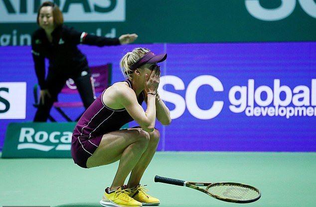 Nữ tay vợt xinh đẹp lần đầu đăng quang WTA Finals