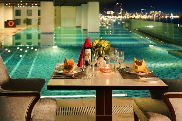 Thưởng ngoạn biển Nha Trang từ căn hộ khách sạn đẳng cấp