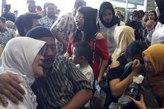 Thế giới 24h: Câu hỏi lớn vụ rơi máy bay Indonesia