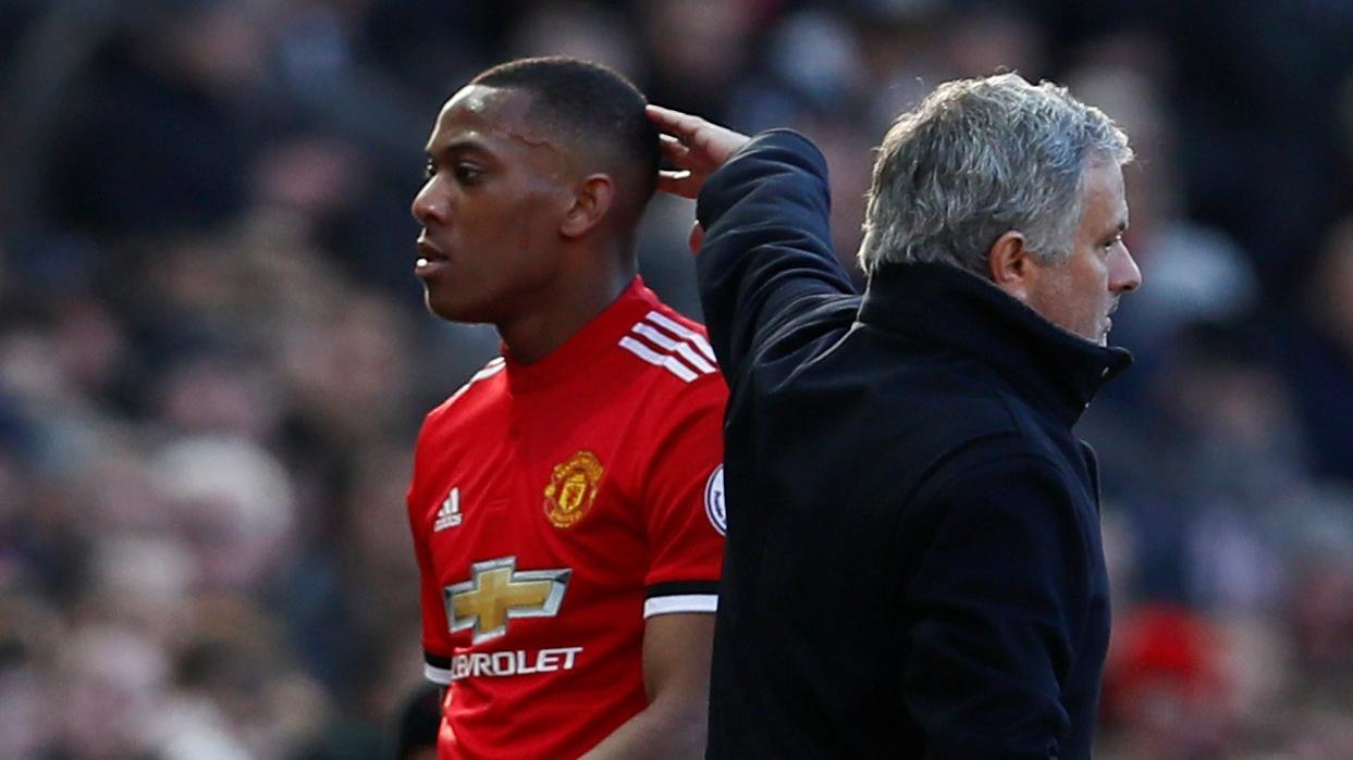 MU sống tạm: Martial cứu Mourinho đến bao giờ?