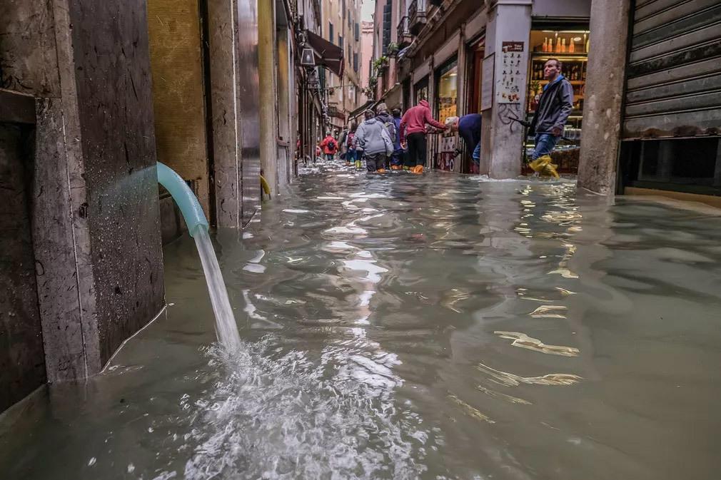 Venice 'chìm' trong triều cường cao bất thường