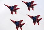 Xem chiến đấu cơ Nga nhào lộn trên không