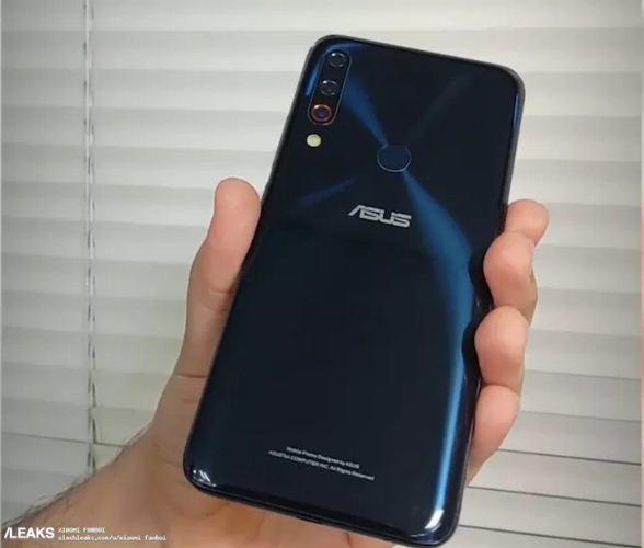 ASUS ZenFone 6 lộ ảnh với thiết kế màn hình không thể xấu hơn