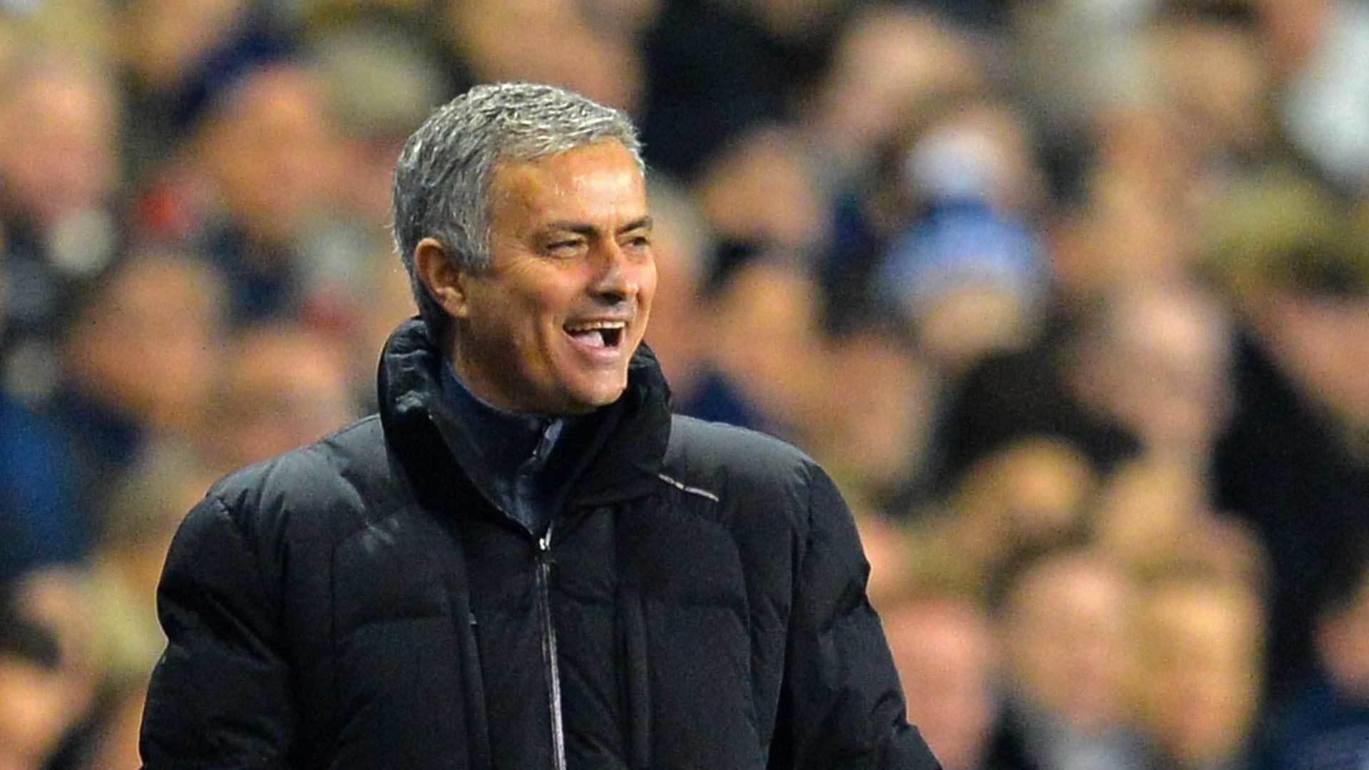 MU cấp tiền cho Mourinho, Chelsea chiêu mộ Dembele