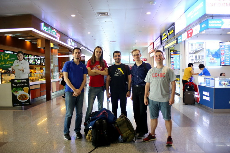 Chung kết WhiteHat Grand Prix 2018, đội Mỹ và Nga đã tới Hà Nội