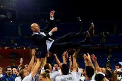 Cầu thủ Real Madrid nổi hứng kêu gọi Zidane tái xuất