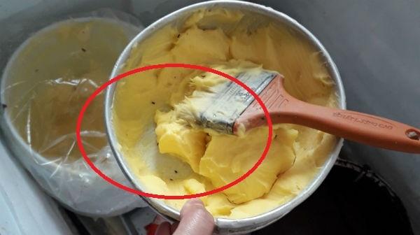Ớn lạnh thứ trong khay chứa bơ ở công ty cấp bánh mì vụ 55 người ngộ độc