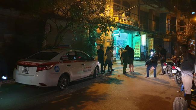 Vợ tài xế taxi kể khoảnh khắc chồng bị xe Mazda chèn qua người