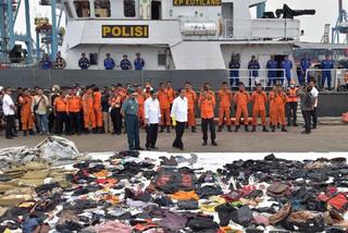 Phát hiện tín hiệu nghi từ hộp đen máy bay Indonesia