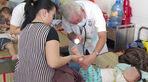 Hai bệnh nhi tử vong do mắc tay chân miệng và sốt xuất huyết