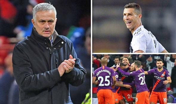 Ronaldo và Man City góp một tay đẩy Mourinho sang Real