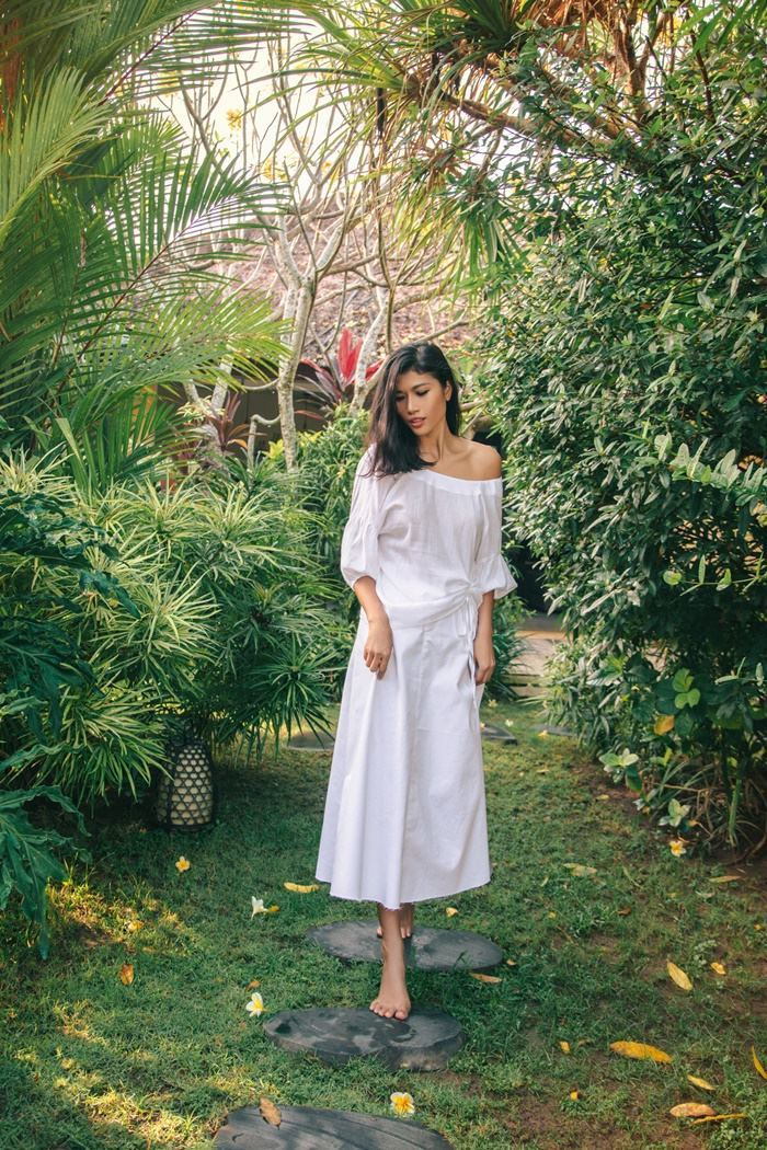 Trang Lạ khoe dáng sexy ở biệt thự riêng tại Bali
