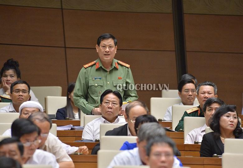 Tranh luận chưa hồi kết giữa ĐB Lưu Bình Nhưỡng và Giám đốc Công an