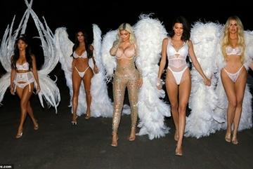 Chị em nhà Kim Kardashian hóa thiên thần nội y nóng bỏng