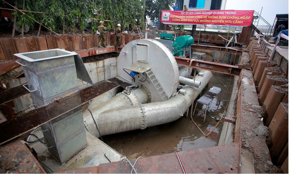 Bất ngờ lý do chưa cho tạm ứng tiền thuê siêu máy bơm chống ngập