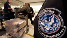 Hải quan Mỹ bị kiện vì tịch thu iPhone người dân không có lý do