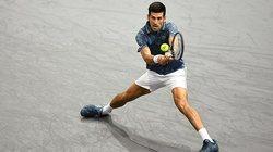 Djokovic vào tứ kết Paris Masters, chiếm ngôi số 1 của Nadal