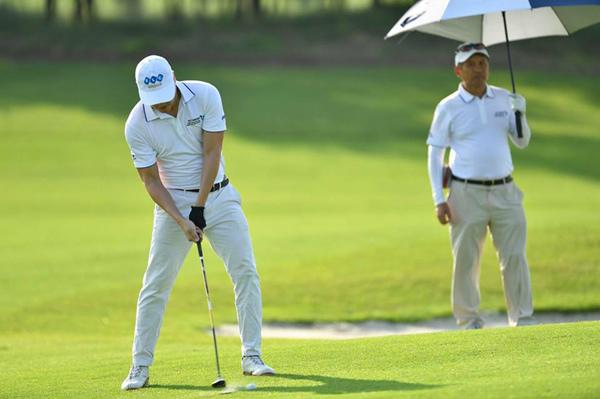 1300 golfer săn giải thưởng 'khủng' của bầu Quyết