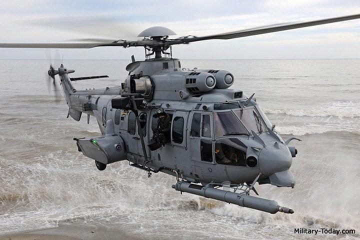 Sức mạnh trực thăng vận tải chiến thuật tầm xa EC-725 Caracal