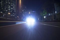 Dùng đèn chiếu xa như thế nào cho đúng?