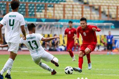 """Quang Hải sẽ """"giẫm chân"""" Công Phượng hay Xuân Trường ở AFF Cup 2018?"""
