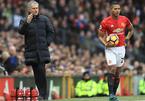 """Đội trưởng MU bị Mourinho """"trù dập"""" vì hành động khó hiểu"""