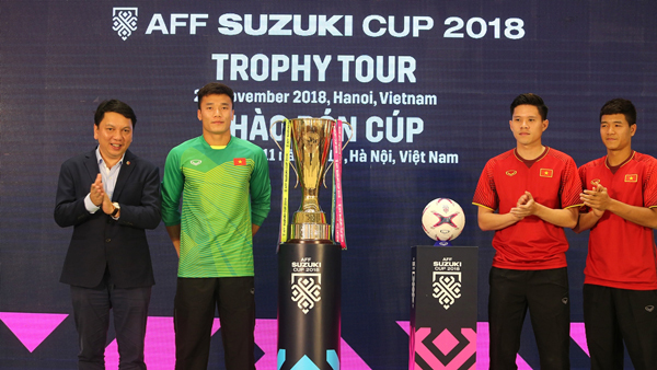 Tiến Dũng, Đức Chinh quyết tái hiện khoảnh khắc nâng cúp AFF Cup