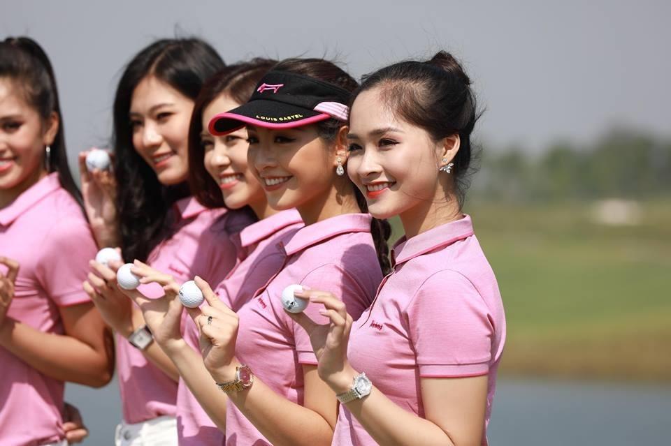 Ngắm hoa hậu Tiểu Vy và dàn người đẹp trên sân golf