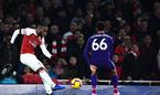Lacazette giải cứu, Arsenal thoát thua trước Liverpool