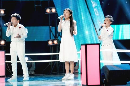 Học trò Sobin Hoàng Sơn 'bắn rap' điệu nghệ gây bất ngờ với các HLV