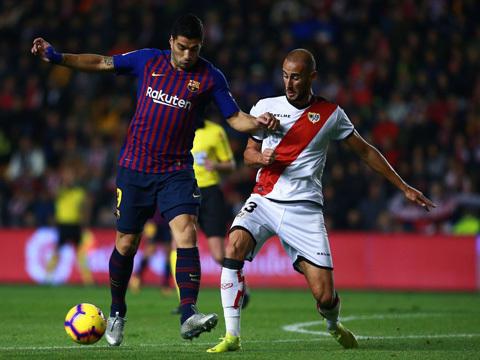 Suarez lại đóng vai người hùng, Barca thắng siêu kịch tính