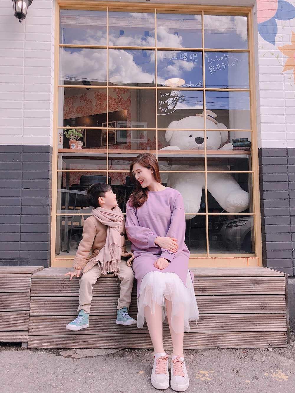 Phí Thùy Linh chia sẻ kinh nghiệm du lịch Hàn Quốc cùng con trai nhỏ
