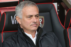 Mourinho ra yêu sách MU, Barca giành Harry Kane