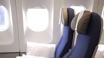 Những vật dụng bẩn nhất trên máy bay có thể bạn chưa biết