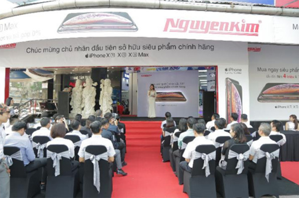 Mở bán bộ ba siêu phẩm Iphone ở Nguyễn Kim