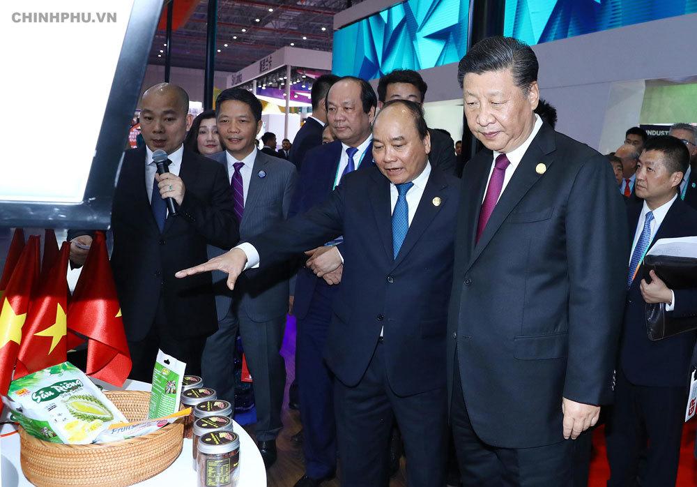 Hình ảnh Thủ tướng dự lễ khai mạc hội chợ CIIE