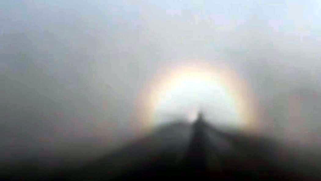 Hiện tượng kỳ ảo khó tin trên đỉnh Fansipan